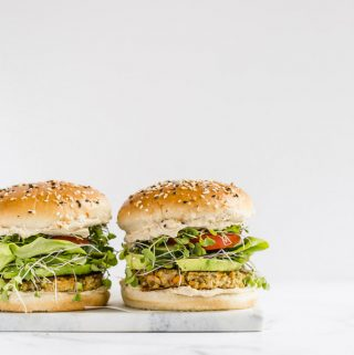 veggie burger, quinoa burger, veggie patty, meatless, vegetable burger, burger meatless Monday