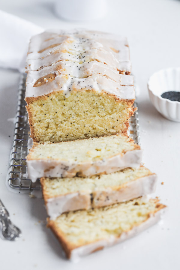 Meyer-lemon-poppyseed-cake
