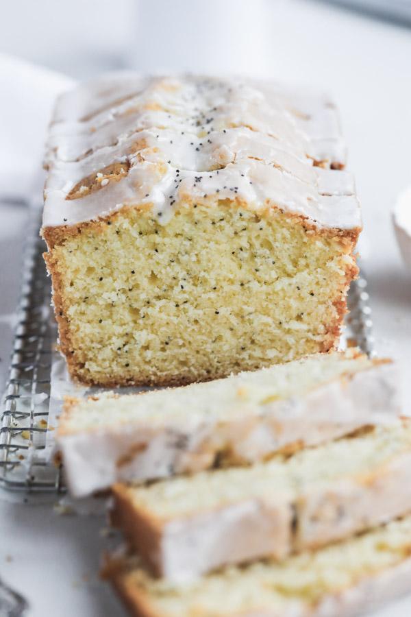 Meyer-lemon-poppyseed-cake