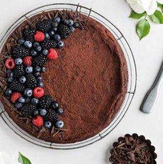6 Ingredient Flourless Chocolate Cake