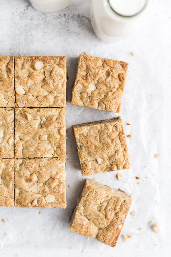 white-chocolate-macadamia-nut-blondies